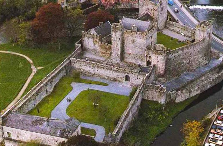 Cahir Castle - Tipperary Town